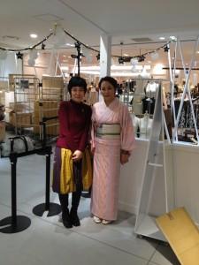 阪急うめだ本店 10階うめだスーク 絹服(kimono-fuku)と83才、初めての押し花絵展-8
