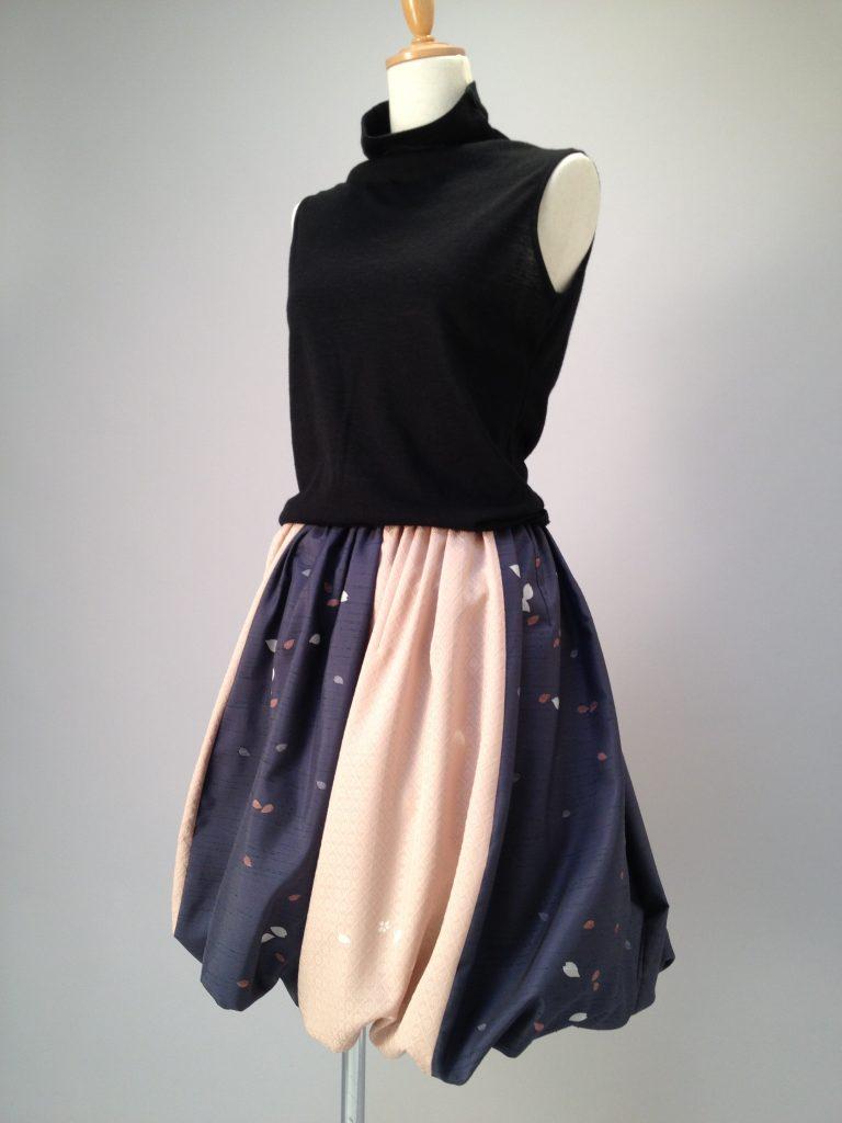 桜柄紬×さくら地紋小紋バールーンスカート。